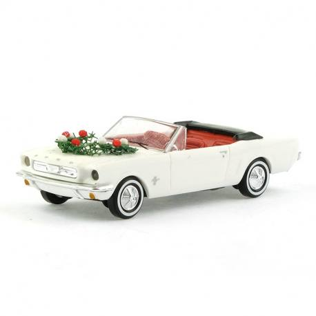 Ford Mustang cabriolet blanche - 1/87 HO -BUSCH 47527